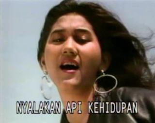 Download Lagu Mp3 Nike Ardila Full Album Nyalakan Api (1991) Lengkap