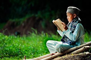 Kekuatan Hafalan Imam Syafi'i Saat Masih Kecil