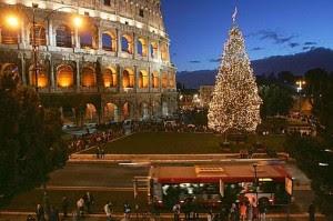 Italia restringe viajes para Navidad y marca nuevos récords de muertes diarias