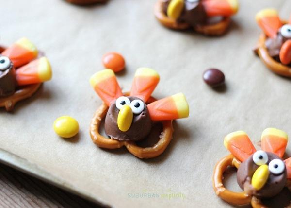thanksgiving treats for kids turkey pretzel bites