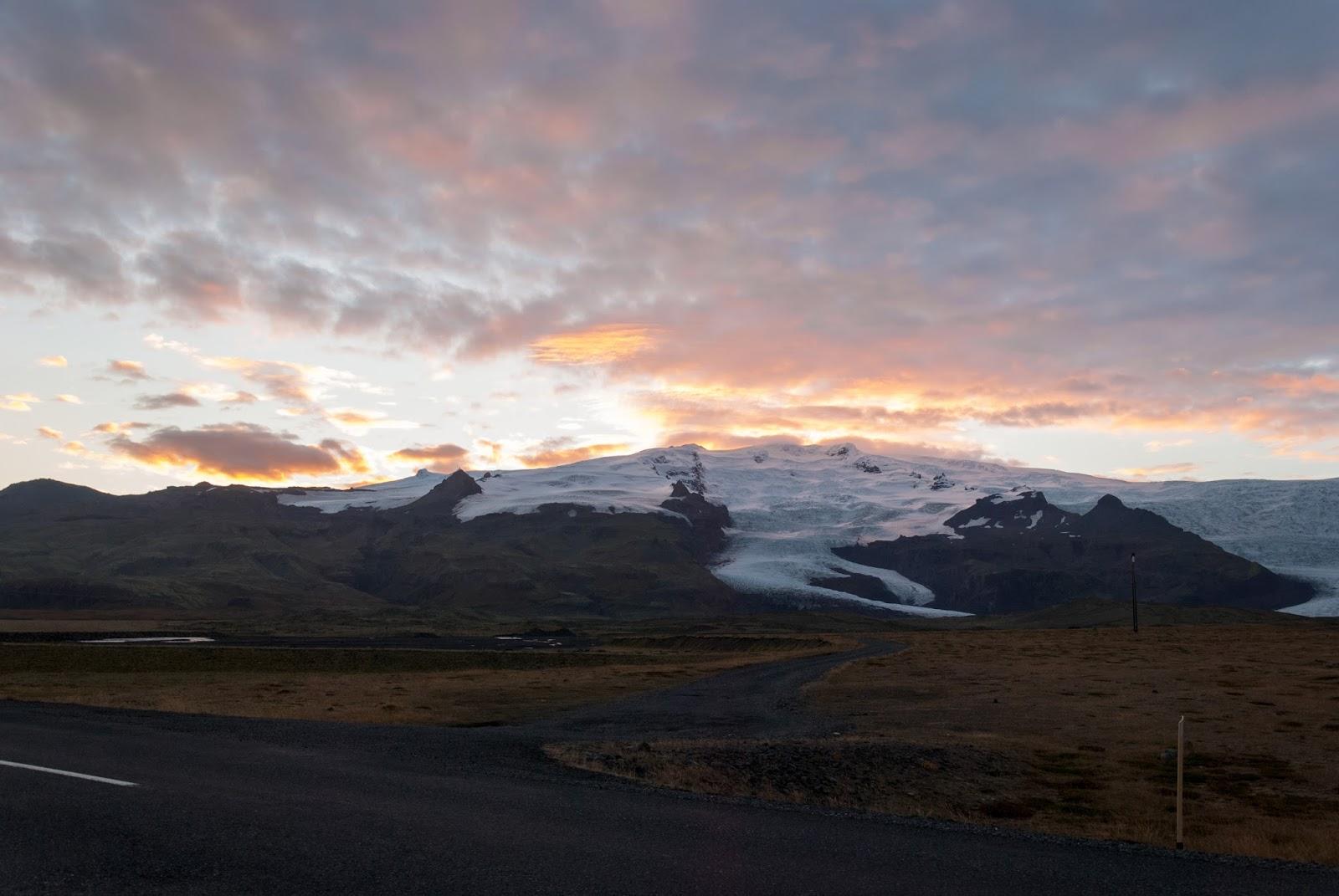Islandia, lodoweic, zachód słońca