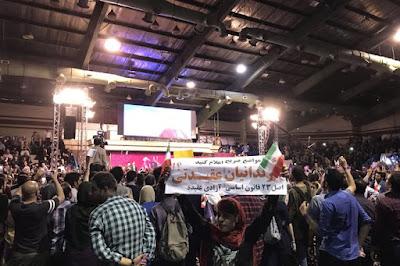 في سباق روحاني إلى الرئاسة، شعارات دارينغ وتذكير بالأشباح السياسية في إيران