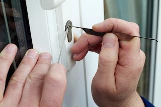 ¿Por qué instalar cerraduras anti robo en viviendas?