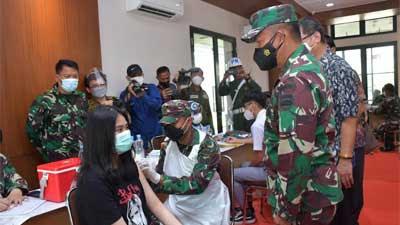 Pangdam I BB Apresiasi Pelaksanaan Vaksinasi di SMA Sutomo I Medan