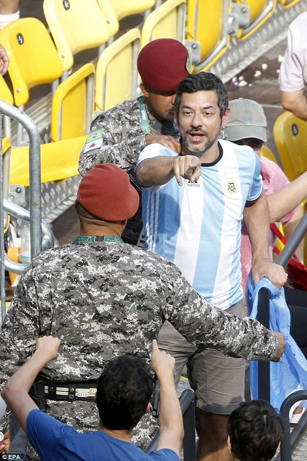 Photos: Brazil and Argentinan fans exchange blows during Tennis match at Rio 2016 Olympics