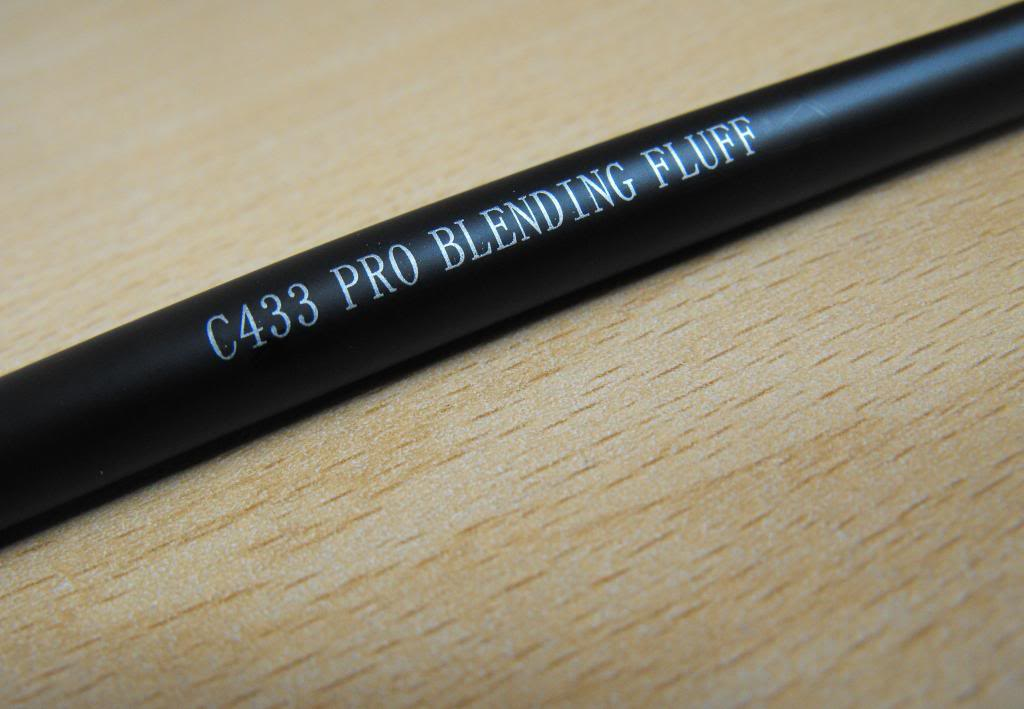 Crown Brush 'C433 Pro Blending Fluff Brush'