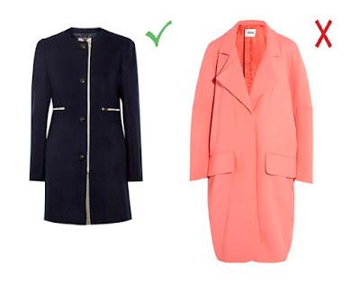Черное приталенное пальто и розовое пальто-кокон