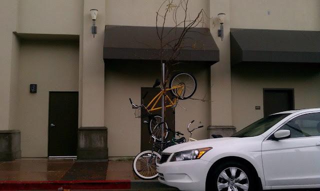 Lock bikes in small area