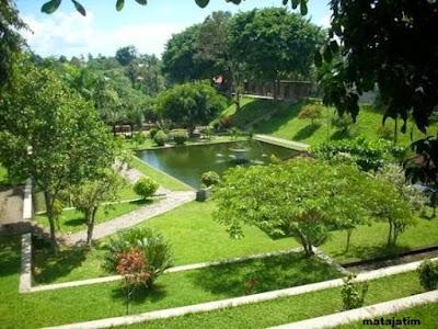 kolam air tawar dipercaya membuat awet muda