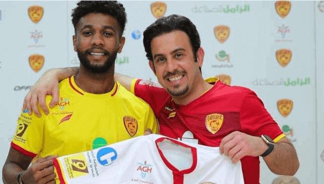 نادي النصر يحضن اللاعب سامي النجعي. والحمد لله يطير إلى المغرب لهذا السبب