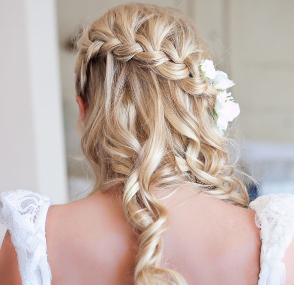 Wedding Hairstyles With Flower: The Northern Bride: Wedding Hairstyles With Flowers