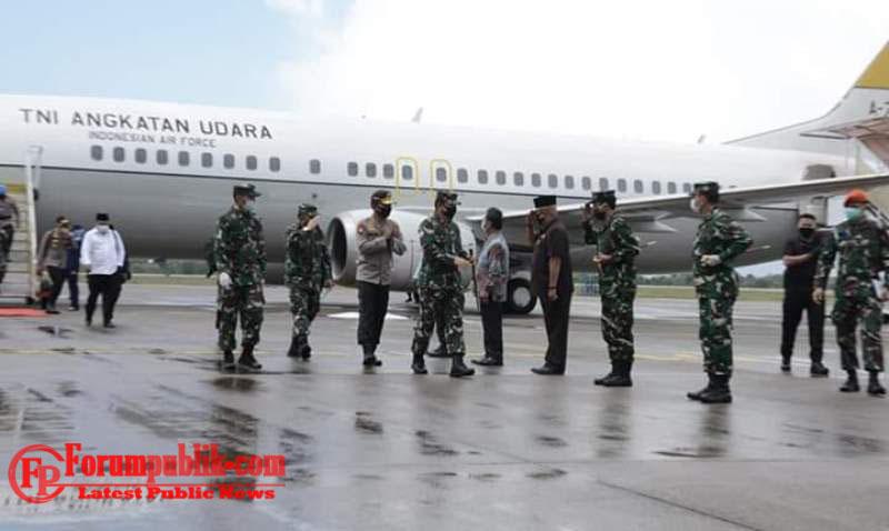 Danlantamal IV Sambut Panglima TNI dan Kapolri di Bandara Hang Nadim