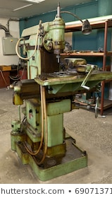 DETAIL OF MILLING MACHINE