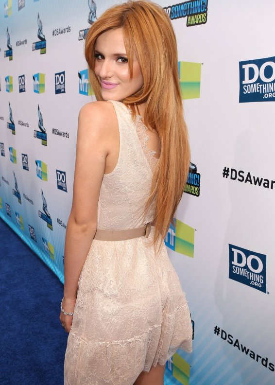 Bella Thorne Bcbgmaxazria Willa Lace Dress Krazy Fashion
