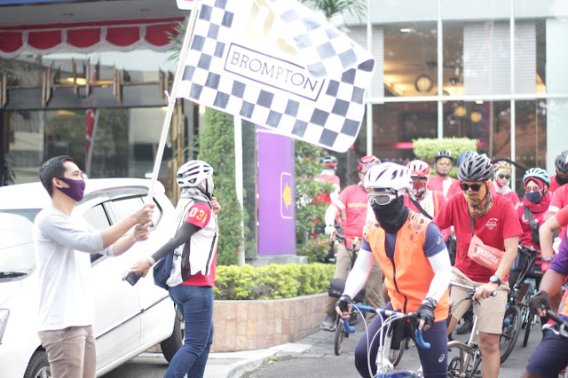 GM Hotel Quest Darmo Surabaya David Eko Susanto kibarkan bendera dimulainya Gowes