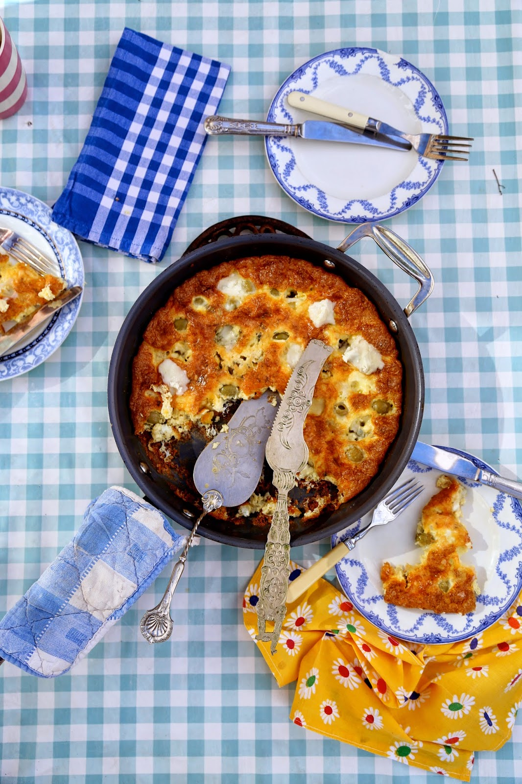 Blue cheese and green olive frittata