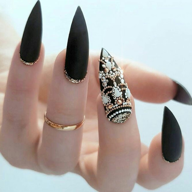 Antique-Nails-arts-design