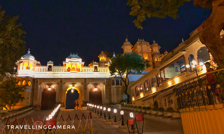 Above photograph shows entry gate of City Palace in Udaipur, Rajasthan. This is how it looks in the evening. We went there for evening Light & Sound show as well. That's when this photograph is clicked. We will separately share about Light & Sounds show at City Palace of Udaipur.
