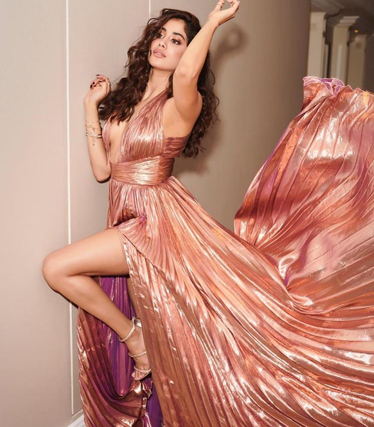 Jhanvi Kapoor Photos download