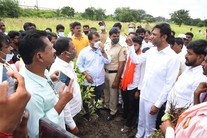 अतिवृष्टीमुळे बांधित झालेला एकही  शेतकरी मदतीपासून वंचित राहणार नाही:  -पालकमंत्री शंकरराव गडाख