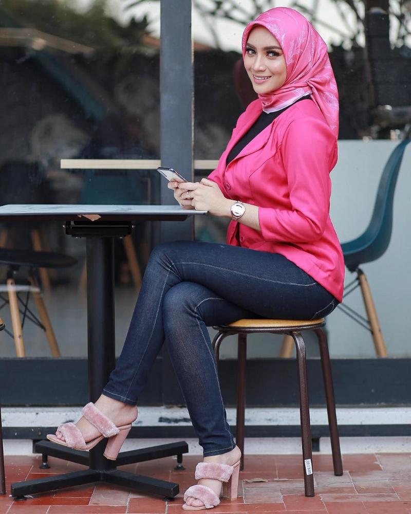 Skinny jeans cantik untuk Blazer Pink