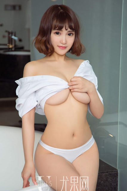Hot and sexy big boobs photos of beautiful busty asian hottie chick Chinese booty model Li Yan photo highlights on Pinays Finest Sexy Nude Photo Collection site.