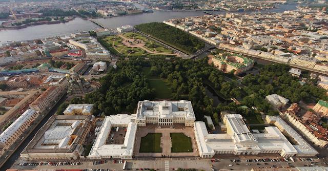 Русский музей панорама. Михайловский дворец и корпус Бенуа с воздуха