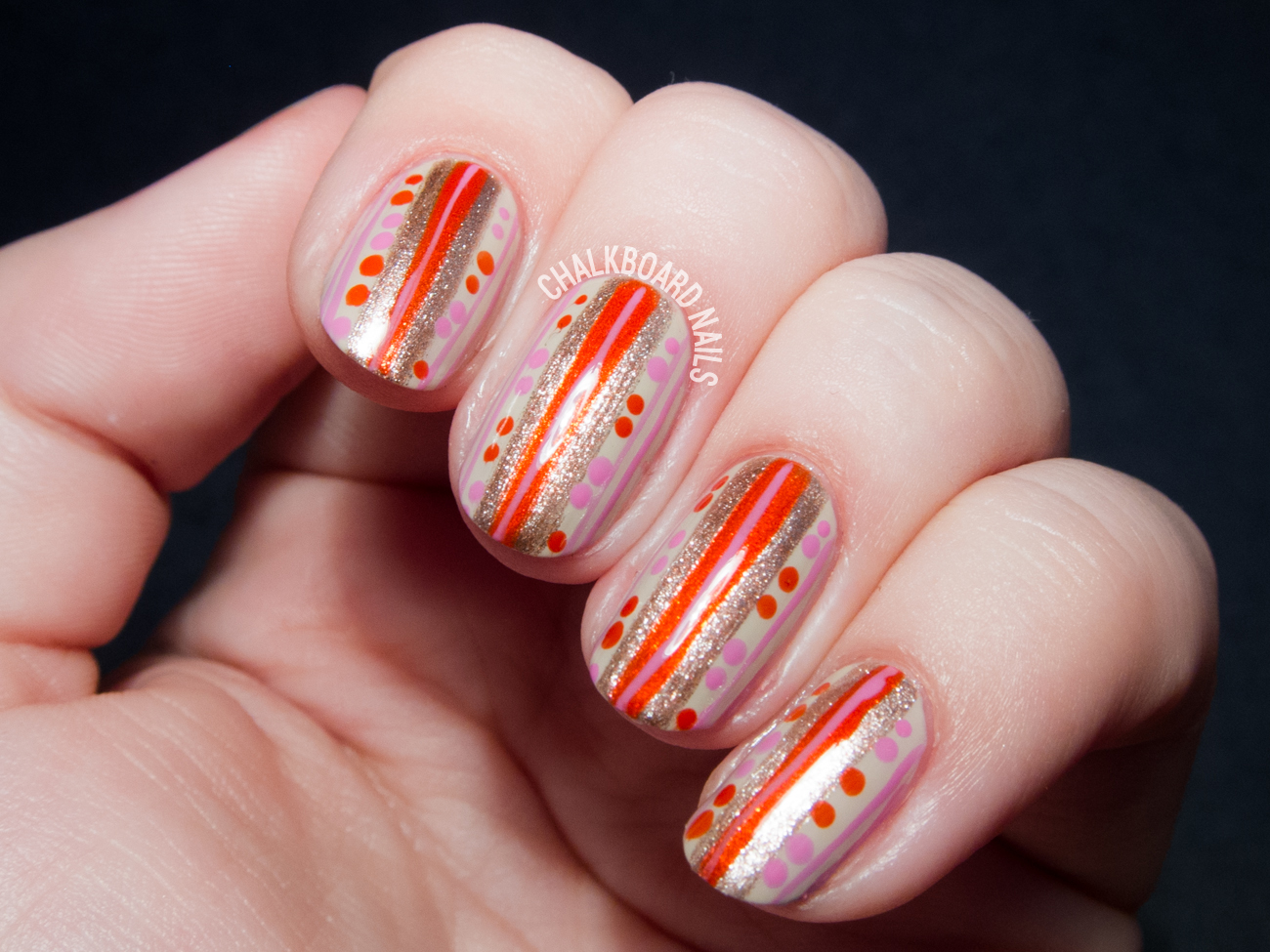 Easy vintage wallpaper nail art by @chalkboardnails