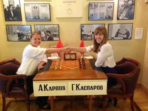 Les grands-maîtres russes Valentina Gunina et Olga Girya nous présentent le Nouveau Musée russe des échecs - Photo © Chess & Strategy