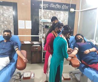 शहीद जिलाजीत की स्मृति में रोटरी क्लब ने आयोजित किया रक्तदान छह लोगों ने किया रक्तदान | #NayaSaveraNetwork