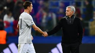 Mourinho tranh giành Nemanja Matic