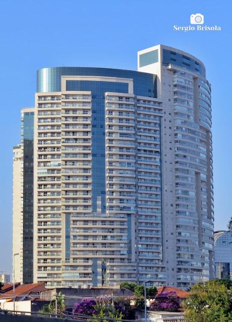 Vista ampla do espetacular Edifício Thera Faria Lima Residence e Office - Pinheiros - São Paulo