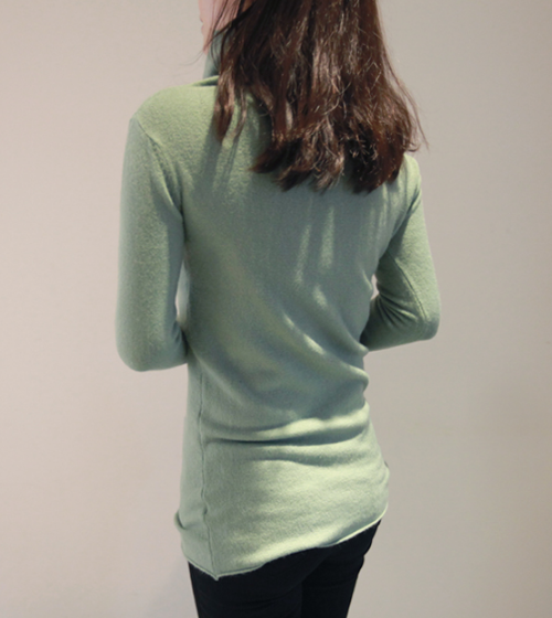 High-Necked Plain Pullover