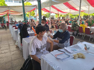 Vaksinasi 2000 Mahasiswa dan Pelajar, Kapolda Sumut Apresiasi BEM Nusantara