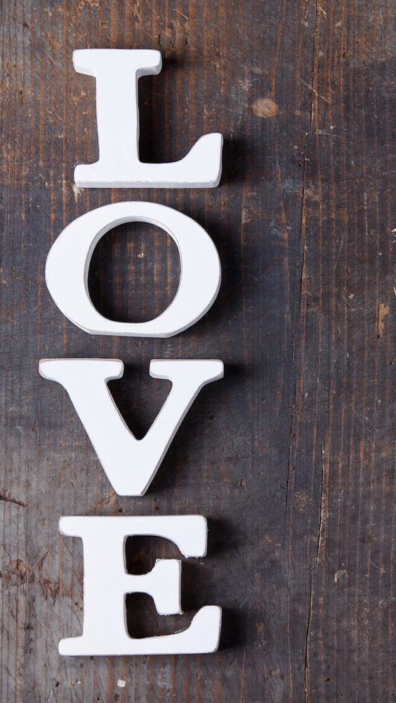 Love Hd wallpapers Free Download for Mobile phones