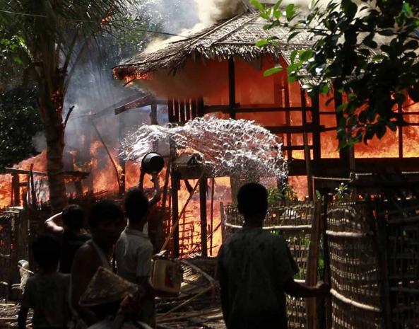 Myanmar Tutup Akses Internet di Rakhine