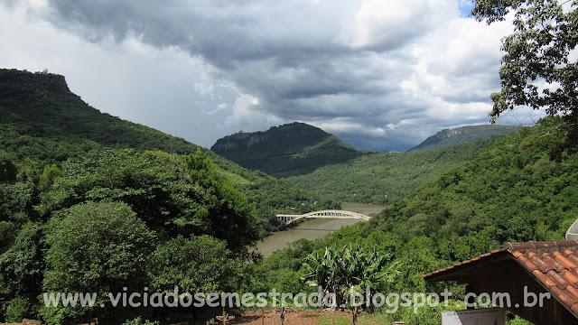 Ponte Ernesto Dorneles, sobre o Rio das Antas, vista da Casa Bucco