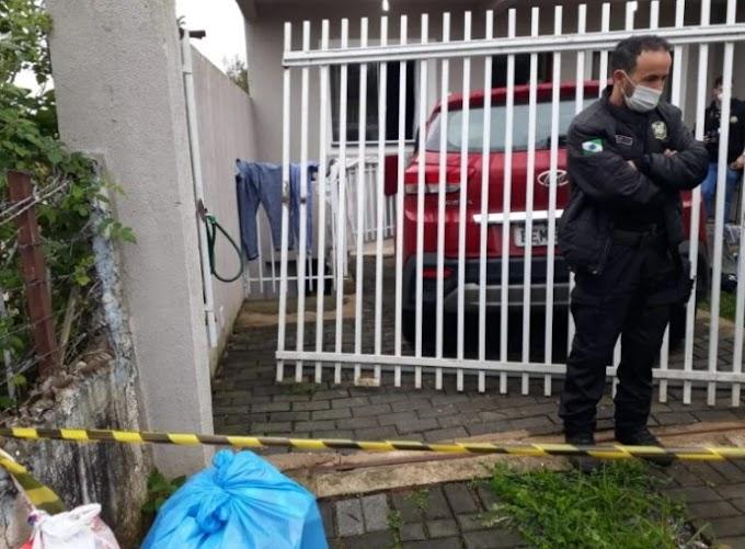 Curitiba: Homem invade casa, grita 'polícia', leva 'mata leão' de morador e morre