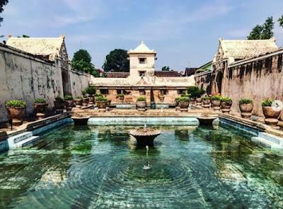 Objek Wisata Taman Sari Yogyakarta