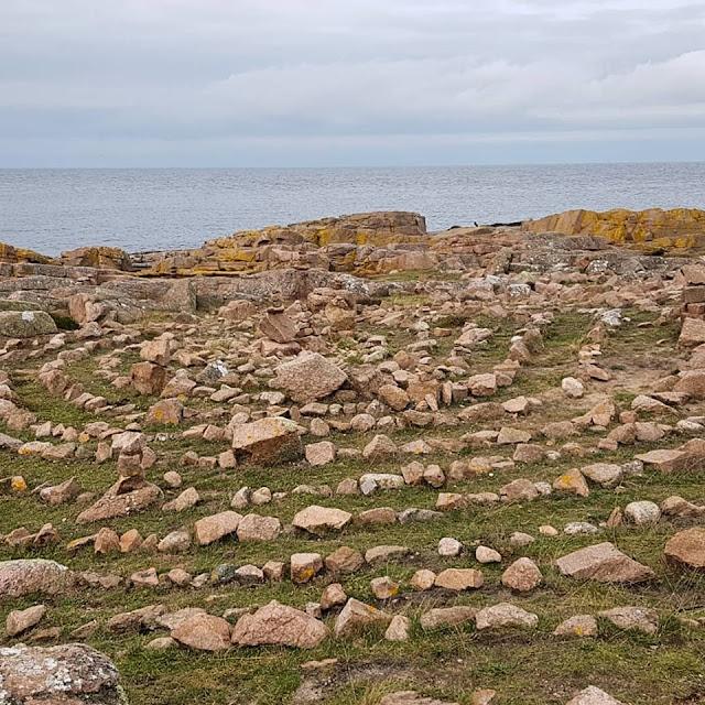 Wandern auf Bornholm: Rund um Hammerknuden. Die Steinspiralen fanden unsere Kinder faszinierend.
