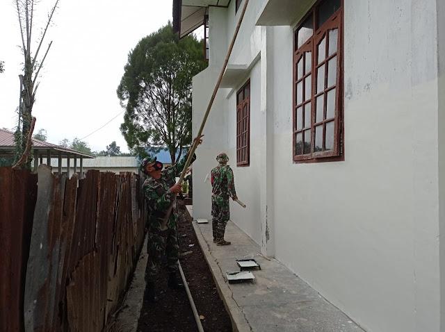 Karya Bhakti Idlaksanakan Personel Jajaran Kodim 0207/Simalungun Bersama Para Peserta Latsitardanus