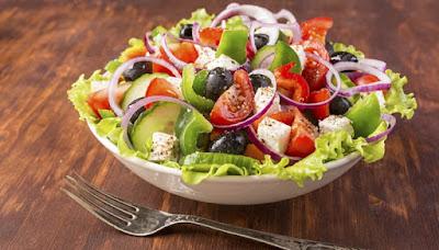 Segudang Manfaat Salad Sayur Bagi Kesehatan