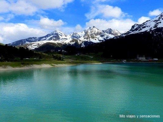 Lago de Küthai, Tirol, Austria