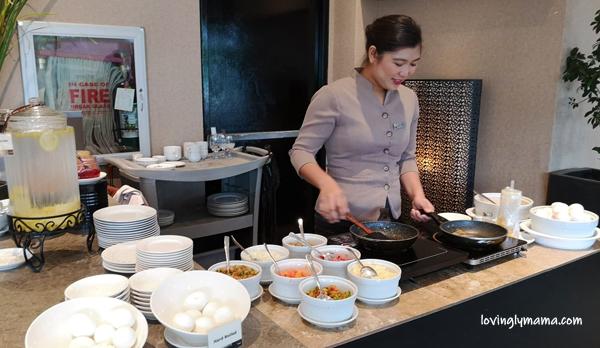 Seda Atria breastfast buffet - waiter - Bacolod blogger - Bacolod mommy blogger - bacon for breakfast - family travel - Iloilo City