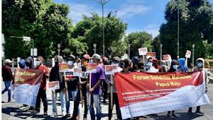Forum Solidaritas Mahasiswa Papua Maju, Gelar aksi damai terkait otonomi khusus