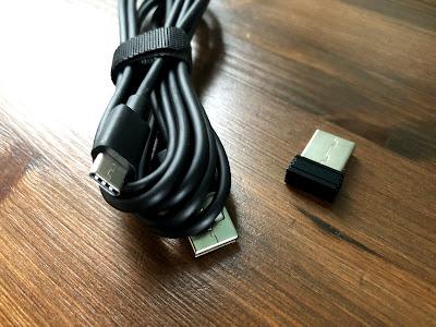 USBケーブルとUSBアダプター