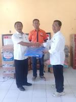BPBD Salurkan Bantuan Tanggap Darurat Pada Korban Kebakaran di Desa Risa