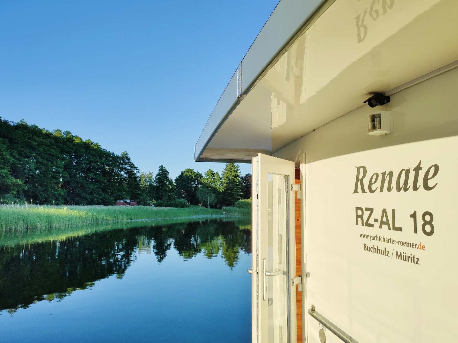 Unser Hausboot Renate von Kuhnle-Tours und Yachtcharter Römer