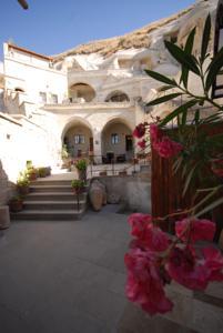 فندق اجنحة كهف فيزر في الاناضولVezir Cave Suites