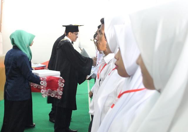UMK, Mengapresiasi Mahasiswa Berprestasi